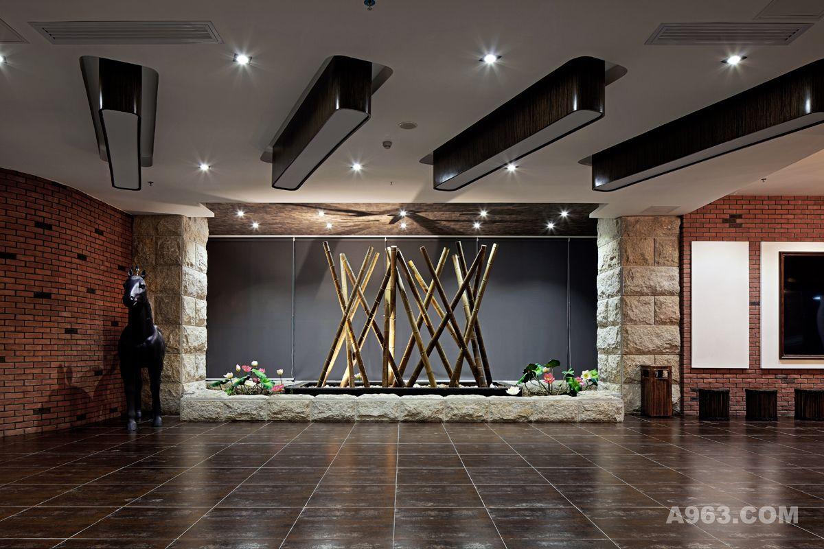 王五平艺术:住宅作品--深圳阿基米设计联合红砖客厅图片