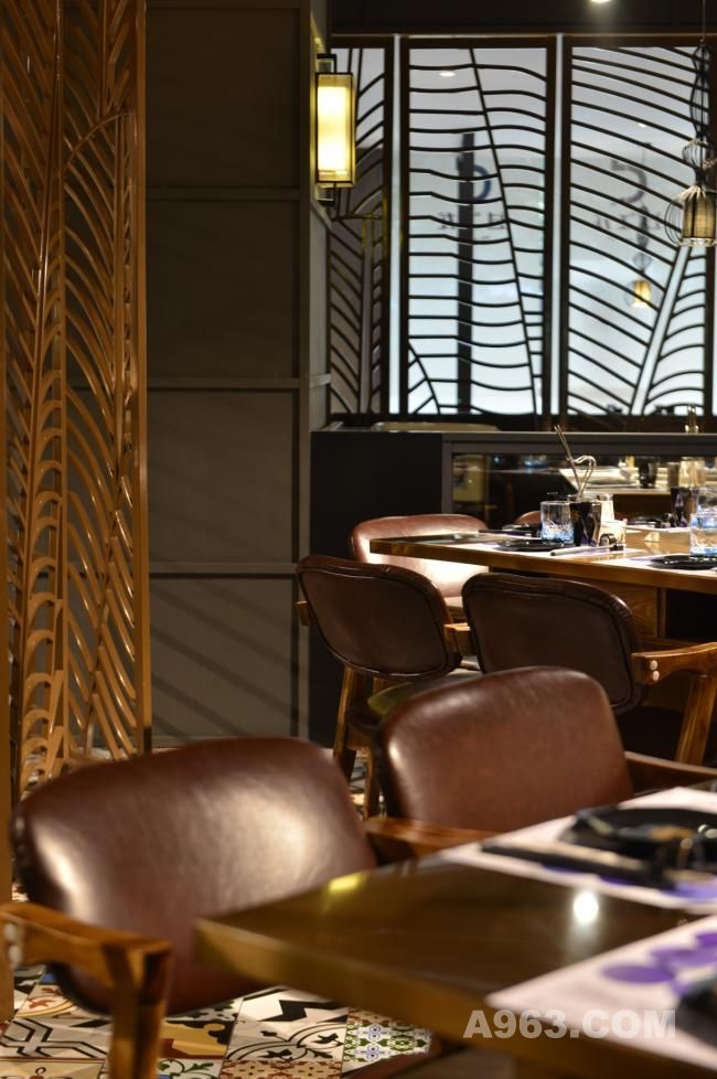 重庆过江龙餐厅设计