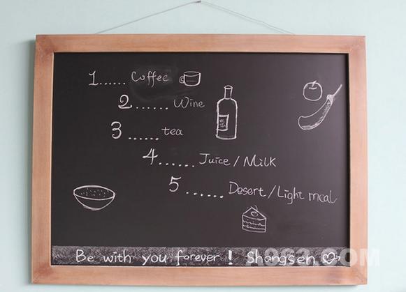 你也可以像咖啡厅那样,挂一块黑板,随手涂涂画画。