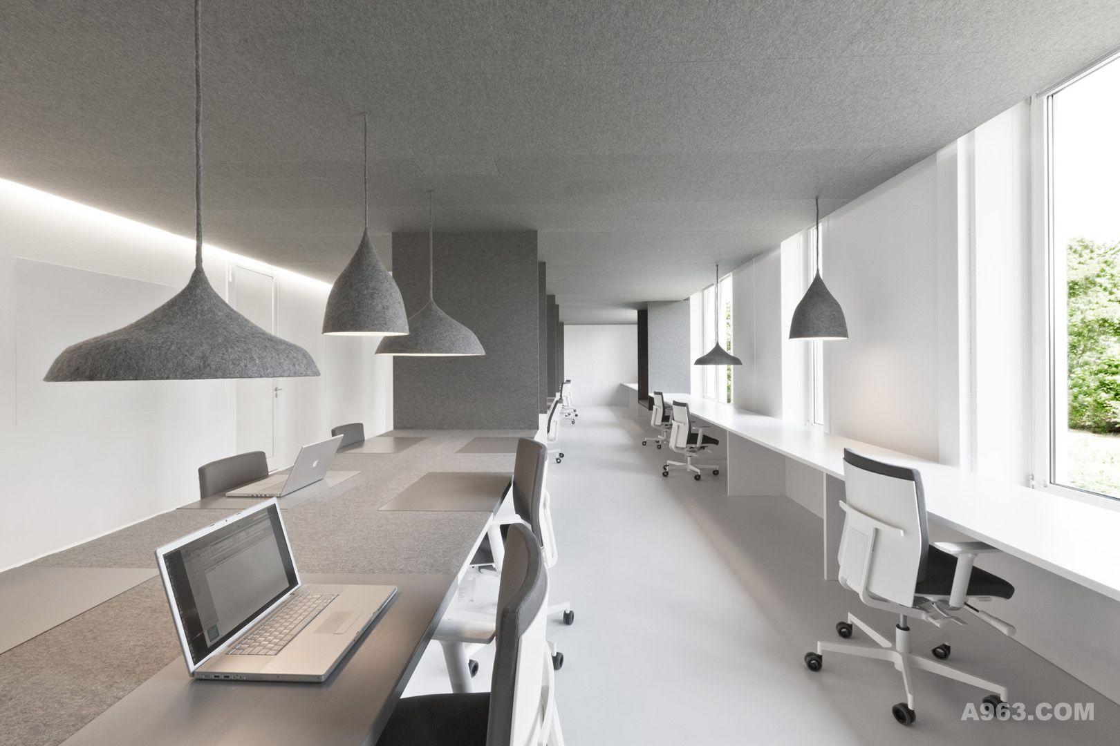 Office 04