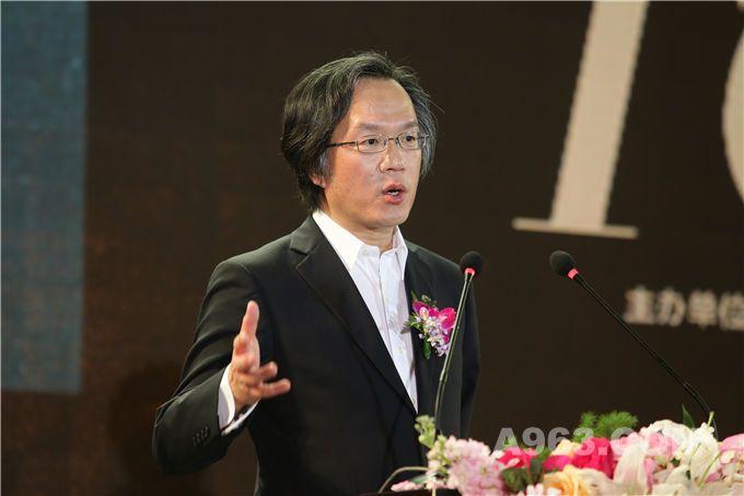 艾特奖国际学术委员会执行主席、哈佛大学建筑学博士、台湾亞洲大学副校长刘育东