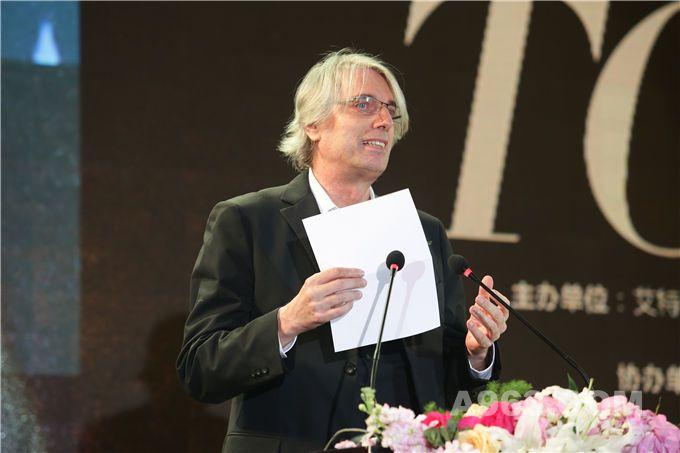 艾特奖国际评审代表——意大利共和国文化艺术总统勋章获得者Michele Molè