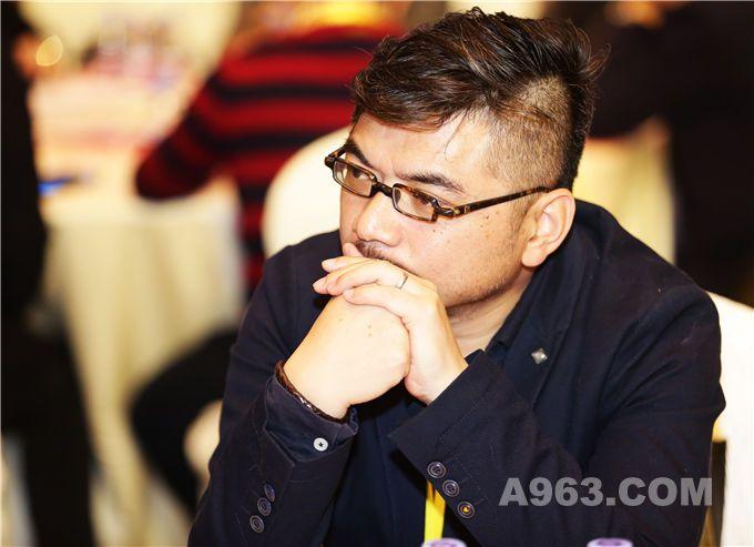 李志豪(深圳经纬设计机构创始人简一陶瓷全国总设计顾问)   蔡 蛟图片