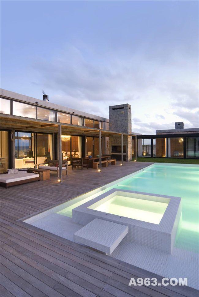 户外休闲区及户外泳池