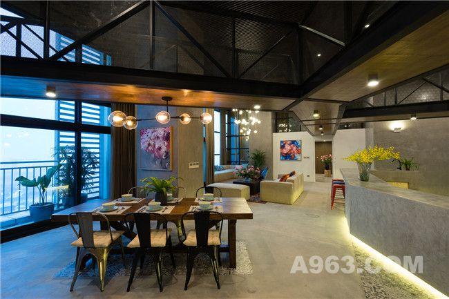 客厅、吧台及餐厅