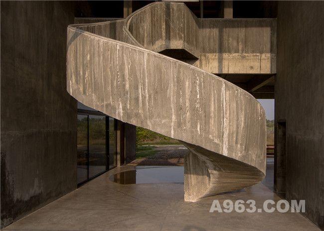 螺旋雕塑楼梯细节