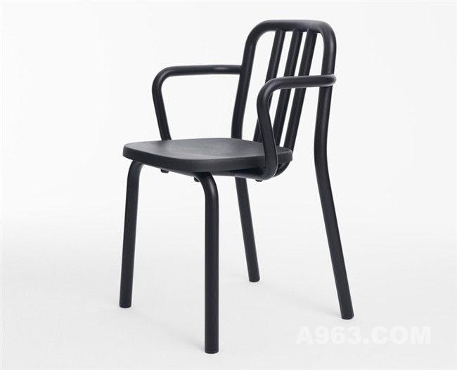 有扶手的管条椅