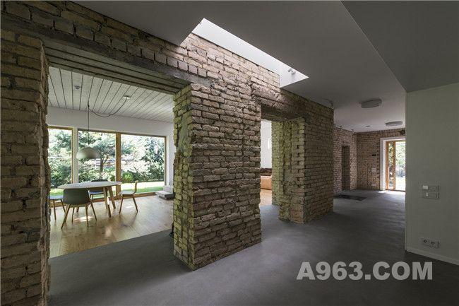 走廊及砖墙