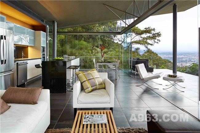 客厅、阳台、餐厅及厨房