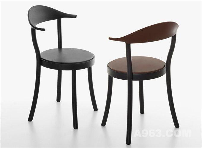 简单朴实的可堆叠圆形座椅