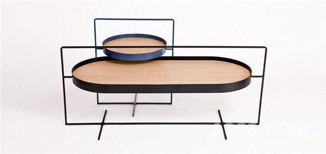 两款桌子桌面高度稍有不同,因此可以穿插叠放使用