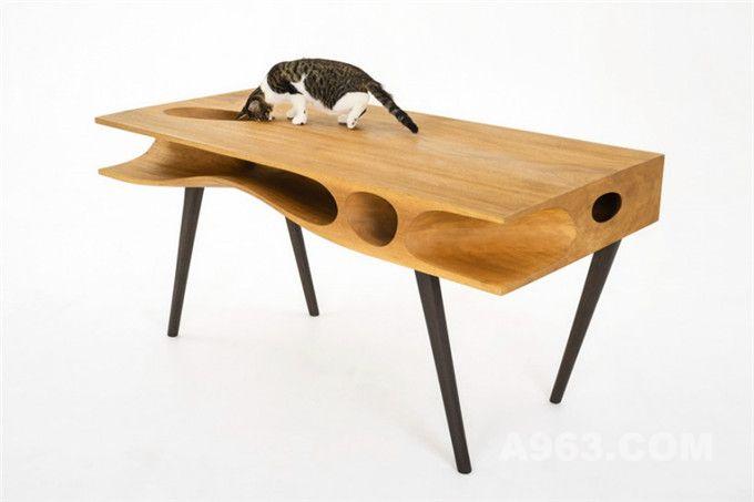 这款桌子让你时刻关注你的爱猫