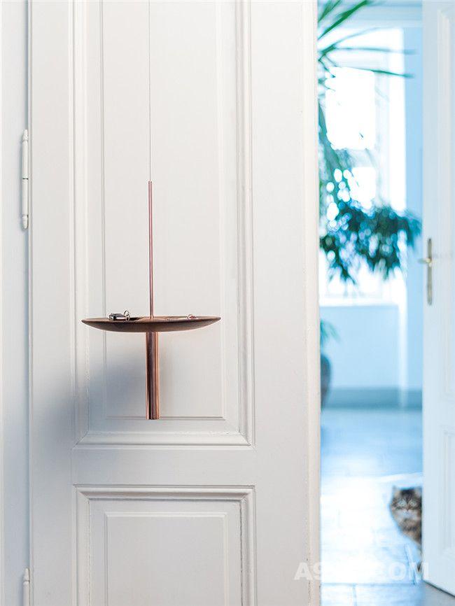 circulum悬挂置物架在房间入口处使用效果