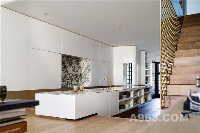 厨房及阶梯