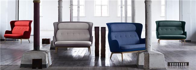不同颜色的双人沙发