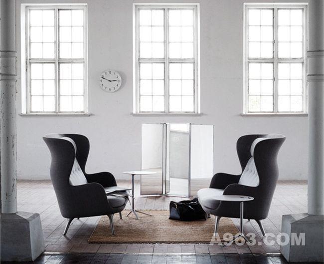 灰色款温馨双人沙发