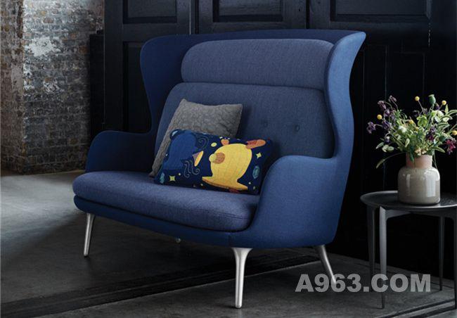 蓝色款温馨双人沙发