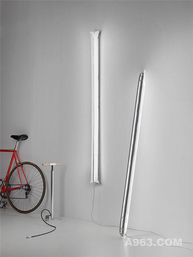挂在墙上的充气式灯饰