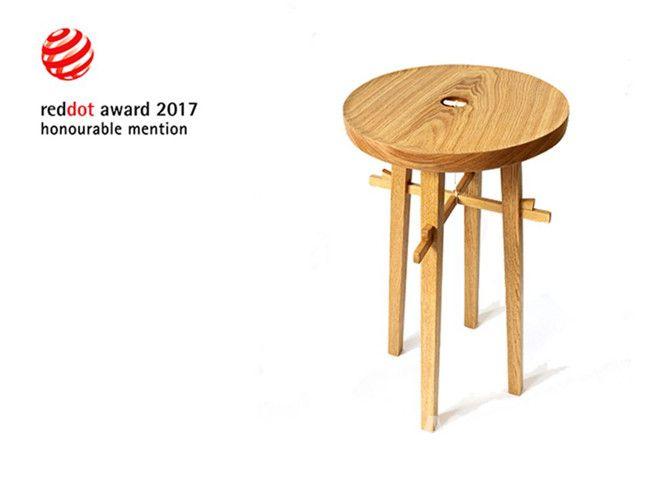 手工打造的可拆装木质边桌