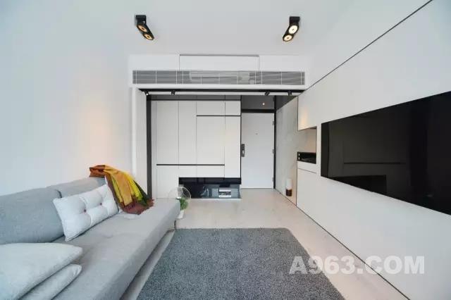 越简约的家,越是懂得收纳  一个家的舒适度 与家具的件数从来都不成正比 往往看似简简单单的布局 才是最懂得收纳、储物的好房子
