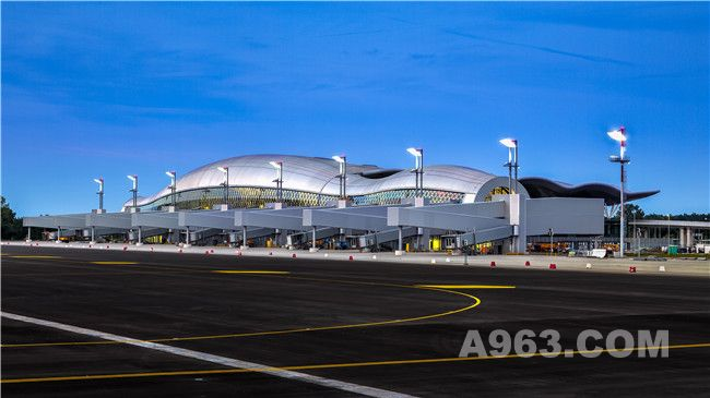 《New Passenger Terminal at Franjo Tuđman International Airport Zagreb》