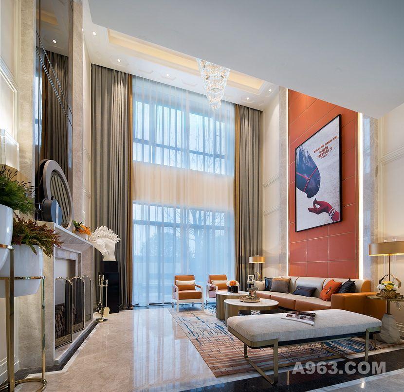 步入客厅,一面爱马仕橙色的背景墙映入眼帘,巨幅爱马仕主题装饰画悬挂中间,彰显视觉冲击力的同时,表达了一种优雅尊贵的空间美学。