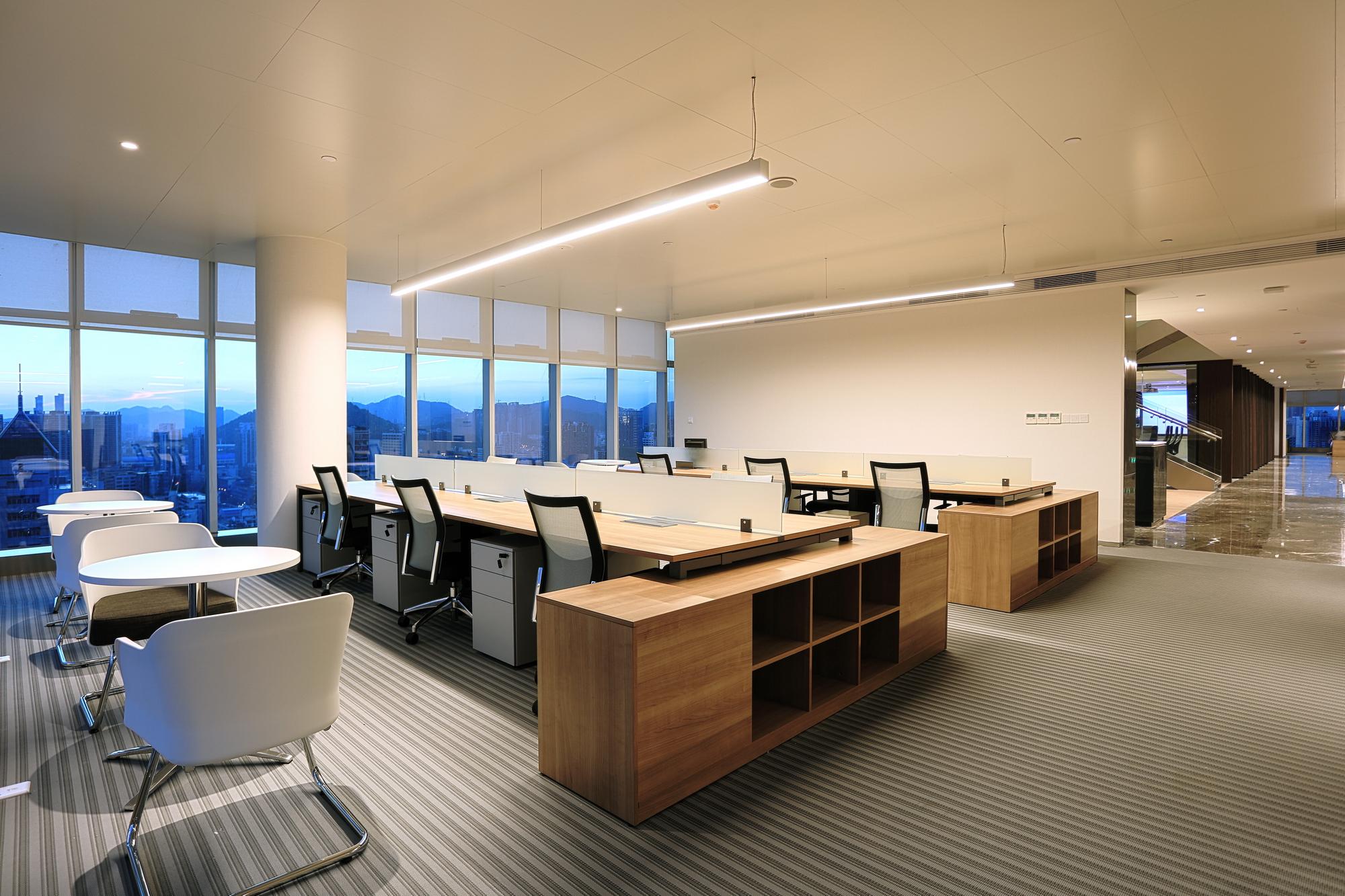 埃素灯光│深圳物质大厦办公大楼顶层灯光设计