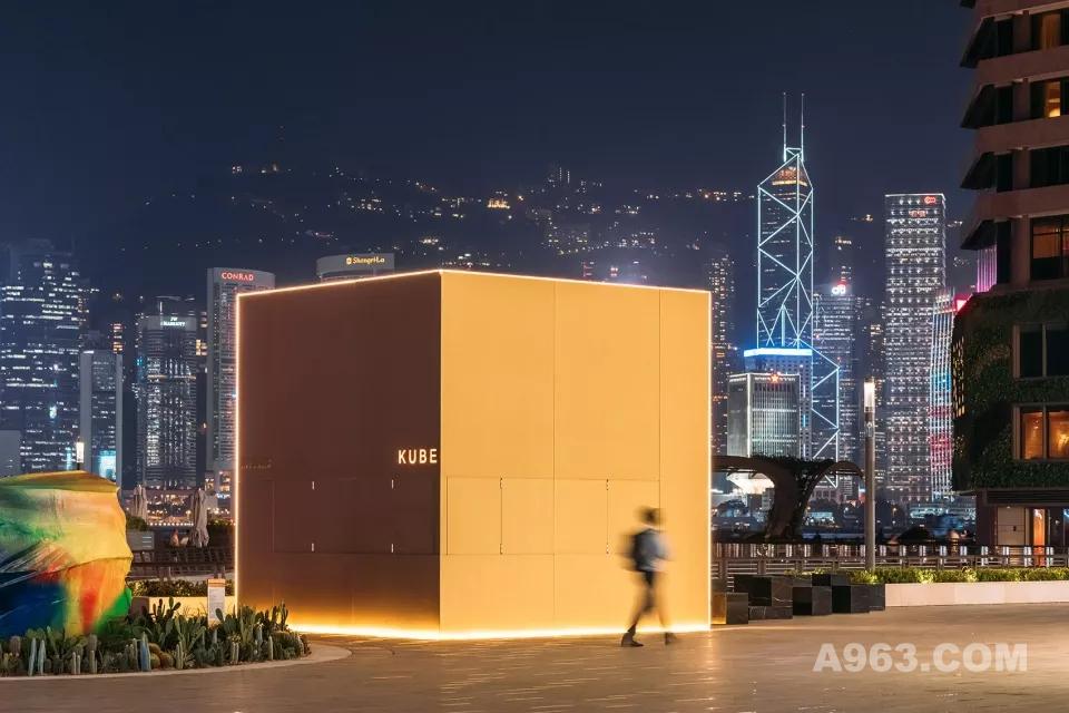 OMA在维港边放了个金色盒子,成为人气咖啡店%ARABICA的新家