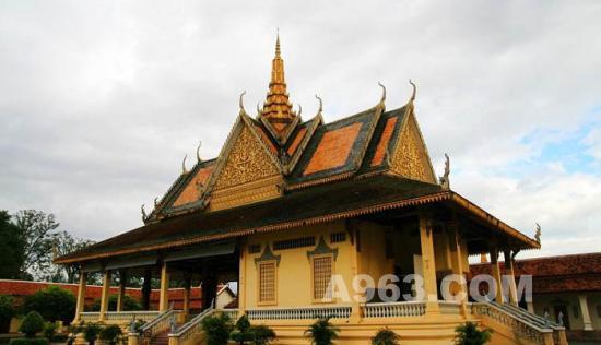 王宮/柬埔寨王宮建筑艺术欣赏(图一)