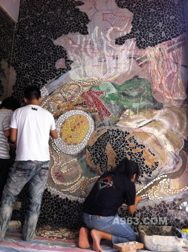 创意马赛克墙绘:胡志明市个性的拉面馆设计(二)图片