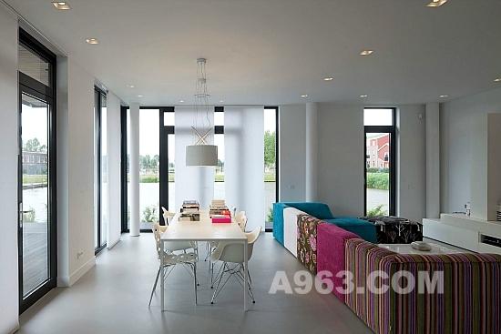 别墅设计由bbvh建筑设计所完成,这是一个惊人的家,坐落在荷兰