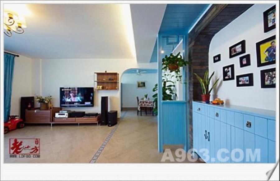 整个居住空间的设计,注重空间的分割与联系,重视材料的质感和颜
