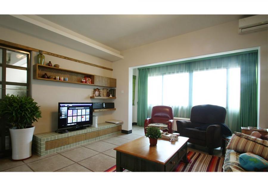 精心挑选的家具配饰与空间相处得很融洽