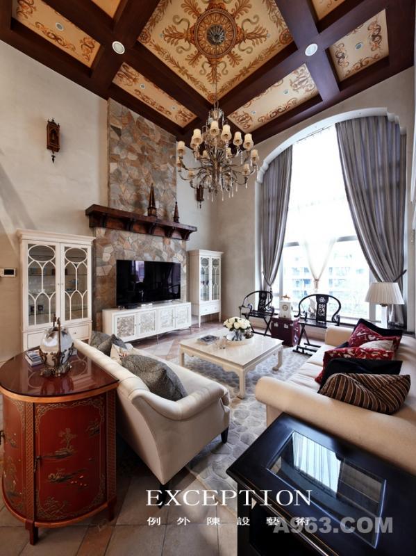 客厅 去繁就简的设计手法被发挥的淋漓尽致,简约素雅的家私切换美式的浪漫优雅,还居者一份归家的惬意。