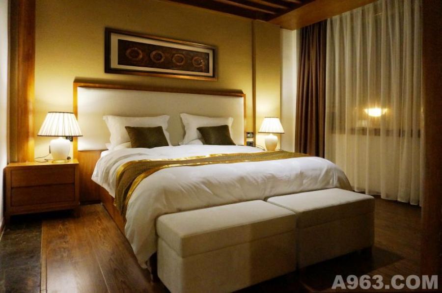 标准套房卧室