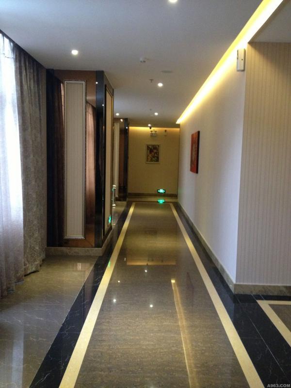 沐足区走廊