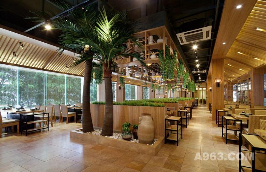 图一:深圳锦园四季椰子鸡餐厅设计 椰树特色
