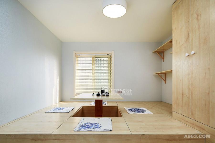 户型改造主要在两个空间里面。 一个是1楼的卧室,被我们改造成了榻榻米房。