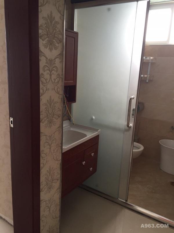 卫生间请输入图片说明