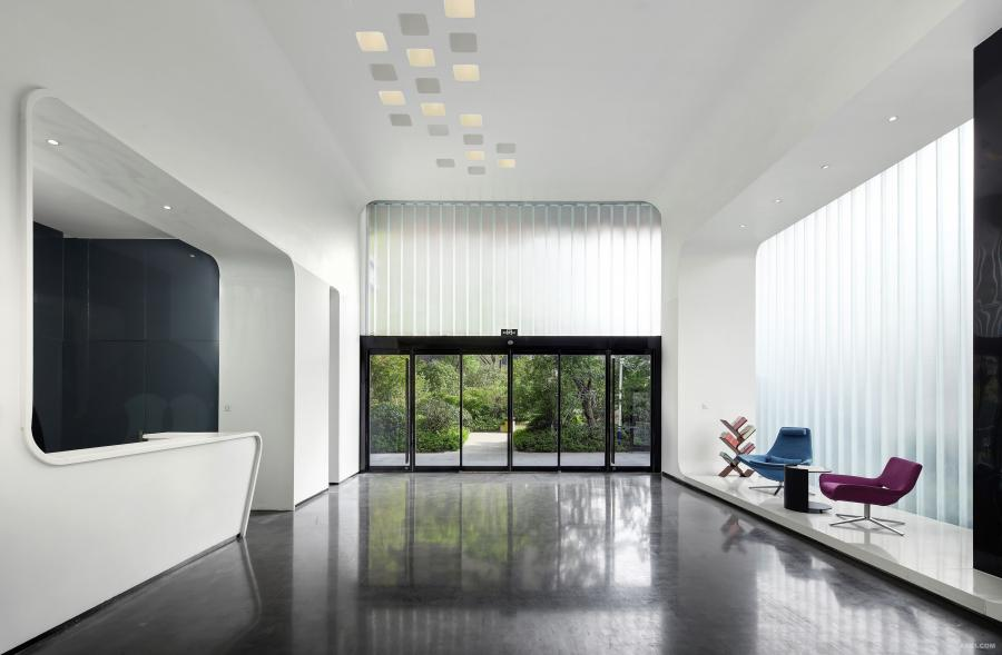 办公门厅-删繁就简,顶面曲线走向将室外景观和室内感受和谐为一体,安静而纯洁