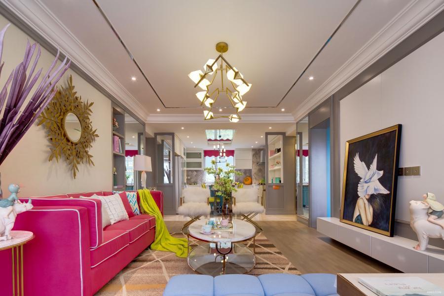 玫粉色+金+零度灰的色调搭配,瞬间提升空间的腔调。