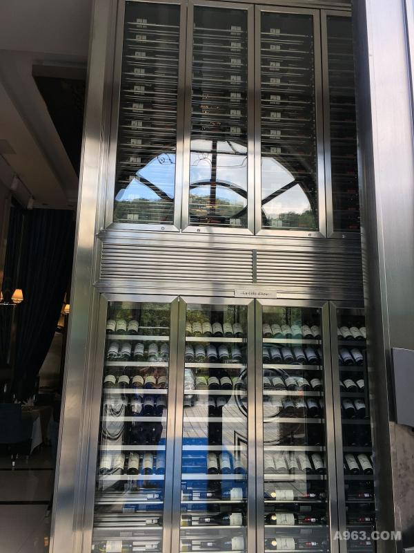 不锈钢酒柜设计定制实例C