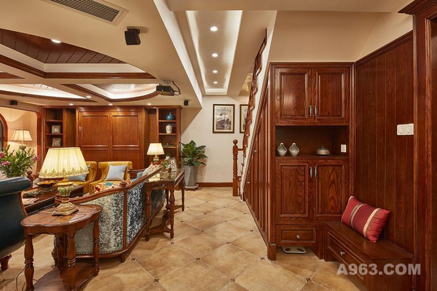 负一楼客厅