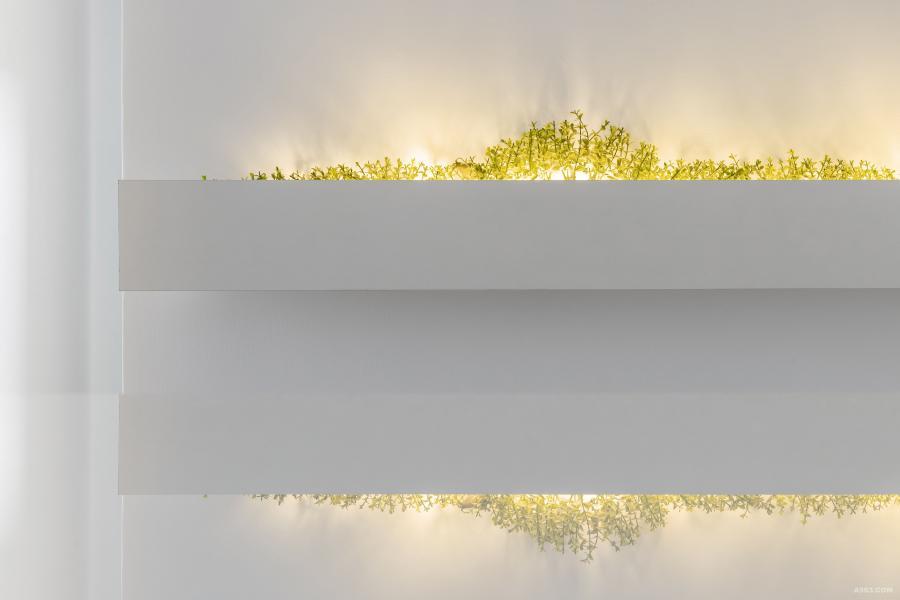 餐廳視覺牆造型體,倒影中的虛實,把逐夢過程的浪漫冷凝於中。
