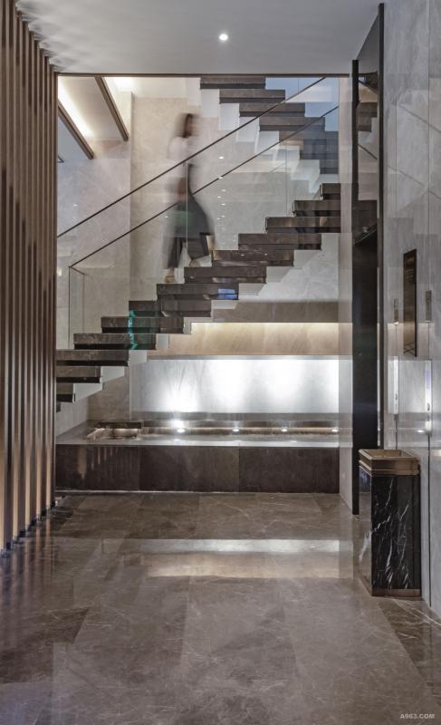 电梯厅及水景