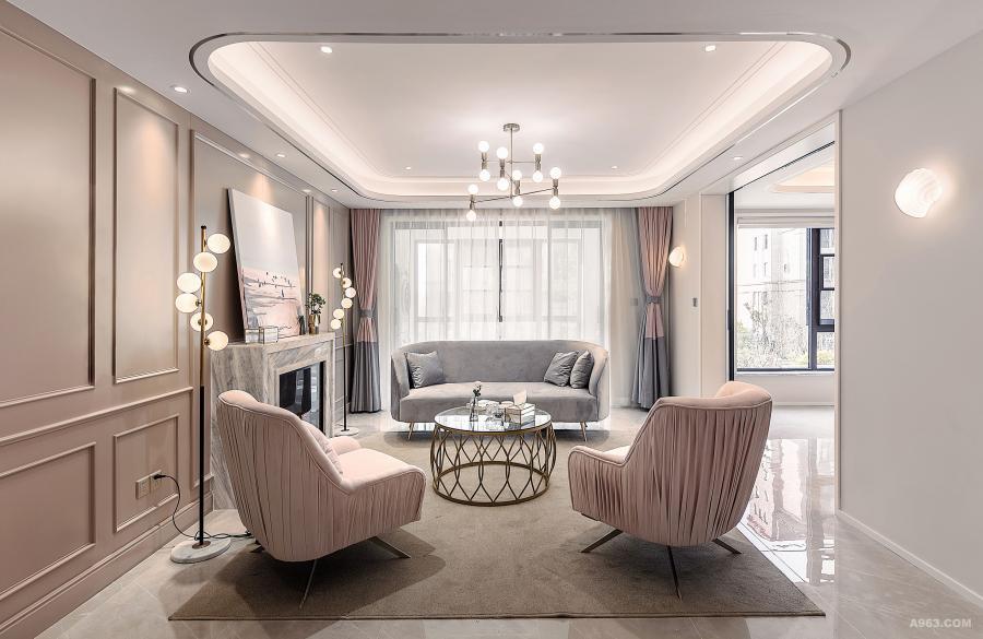 客厅打破常规的设计,取消电视,让生活从单调的电视娱乐,变成会客时可围炉畅聊,安静时喝个下午茶,阅读本书,惬意自在生活,只需换个布置,就可拥有。