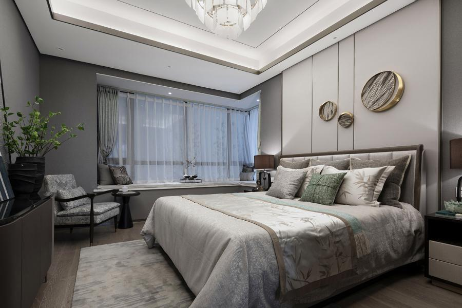 床搭和靠枕与客厅的墙饰相呼应;浅驼色、象牙灰,配上金属和青葱的绿色来点缀,舒服的色彩令人瞬间感到闲适放松。大采光的飘窗,既可自由选择沉入梦想,或是拥抱阳光,亦或是静静与时光闲坐沉淀内心。