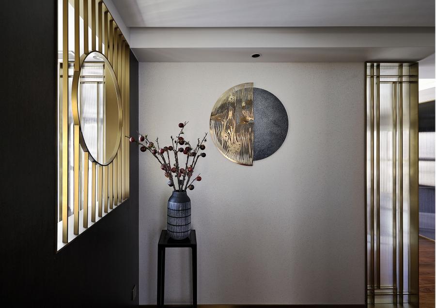 装饰线在空间内构筑纵深扩容的效果 形成虚与实,疏与密的均衡美