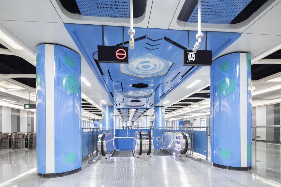 深圳地铁5号线桂湾站站厅装饰效果照片