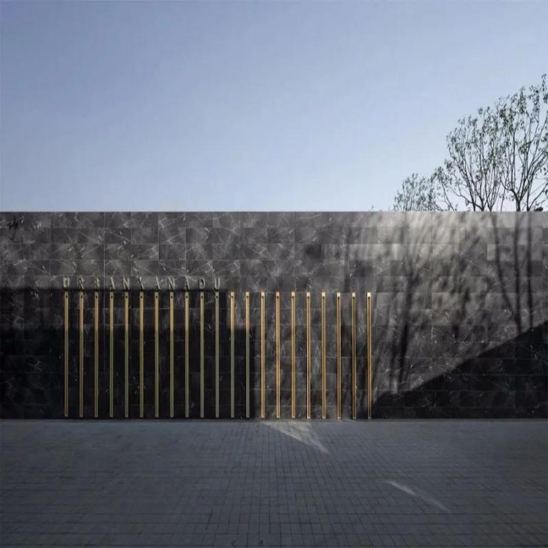 """万科古翠隐秀位于温州鹿城区吕浦与中央绿轴板块的交界处,这里是面临""""再城市化"""",成为城市新封面的老城区。万科携手ENJOYDESIGN,在此造就一方清新逸远的所在,有自然的情思与隽美,也不乏当代的艺术与活力。"""